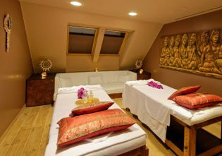 Thai and Philippine massages and masssage rituals - we also offer massages for two